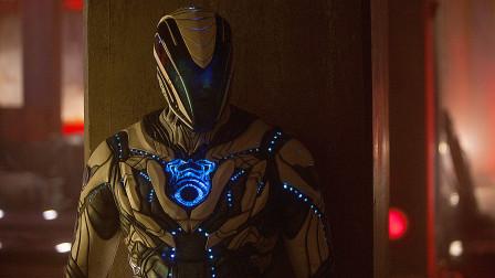 小伙与外星人合体,成为钢铁骑士,战斗起来无人能敌