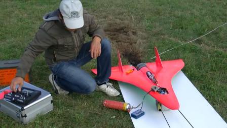民间航模爱好者试飞战斗机,弹射式起飞,太带劲了!