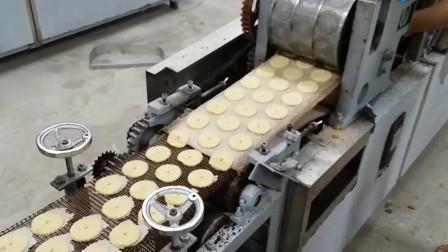 为什么压缩饼干能这么扛饿?看完它的制作过程,这下明白了!
