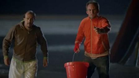 两男子欲毒害虎鲸,结果惨被虎鲸报复,笑喷!