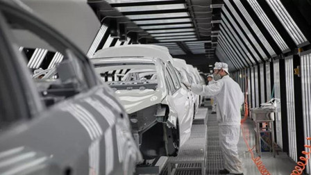 又一家车企关闭中国工厂,库存车泛滥成灾,上千员工失业!