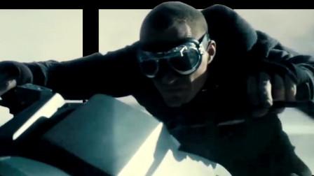 裸眼3D《驱魔者1》:教父在沙漠骑摩托,蒙面抓吸血鬼