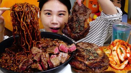 """韩国吃播:""""烤韩牛里脊肉+炸酱面"""",搭配辣白菜,卡妹吃得真香"""
