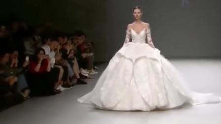 世界名模齐聚巴黎,完美既性感白丝纱裙设计师巅峰之作,太漂亮了。