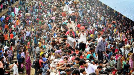 """世界上最拥挤的国家,人口密度是中国9倍还多,感觉像""""马蜂窝"""""""