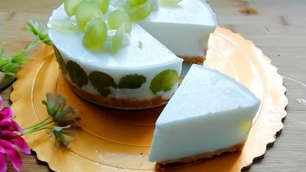 不用烤箱,制作青提酸奶慕斯蛋糕,冰凉丝滑,小清新,很适合夏天