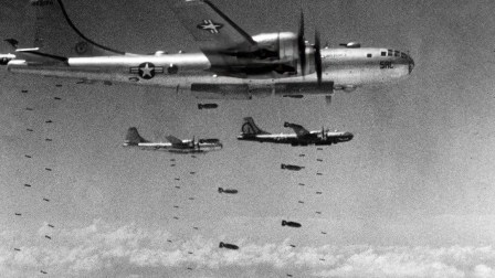 """""""小男孩""""原子弹从投下到爆炸仅有43秒时间,轰炸机如何逃生的?"""