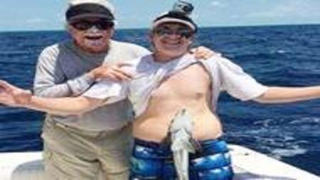 男子钓到一条奇怪的鱼, 刚想把它放生,但鱼的反应让他马上报警