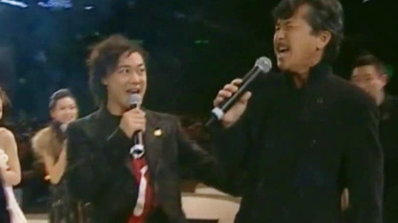 说好的是群星合唱,他一开口竟无人敢接,看陈奕迅的小眼神!