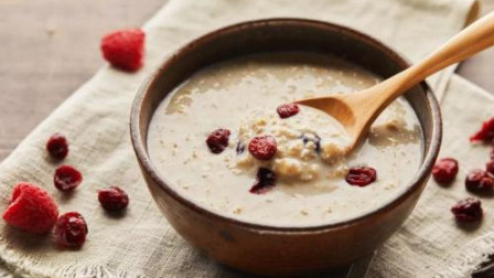 早餐不吃油条吃啥?燕麦通便、黑芝麻抗衰老、枸杞护眼,不能错过