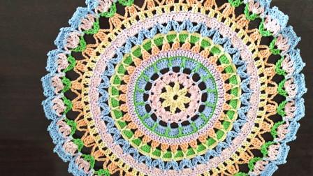 钩针编织曼陀罗蕾丝桌垫编织的全部视频