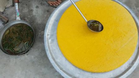 印度人多能吃辣?老奶奶用辣椒做30斤蛋糕,分给全村孩子吃