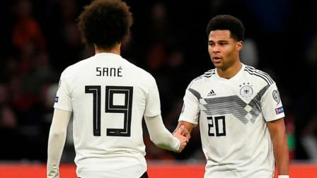 无缝对接!萨内&格纳布里在德国队是这样踢球的
