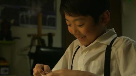 因为作业太多,男孩用计杀害同学,把同学的作业都写上自己的名字