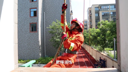 夏日Vlog,高温下体验消防员的一天