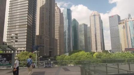 实拍上海陆家嘴,中国顶级金融中心,在世界上都很有影响力