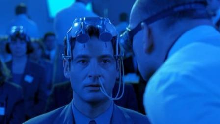 WHAT?人类已研制出洗脑机器,男子带上竟秒被洗脑