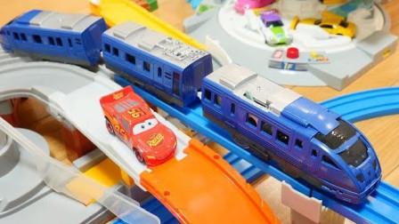 双环桥轨道和小汽车停车场玩具