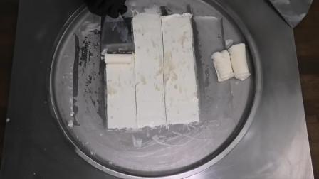 牛人把蜂蜜炒成冰淇淋,还没做完口水就流了一地,网友:好想尝尝