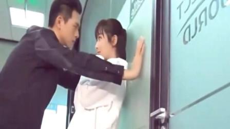 亲爱的热爱的:佟年示爱韩商言反被壁咚,杨紫瞪着眼睛直摇头好甜蜜!