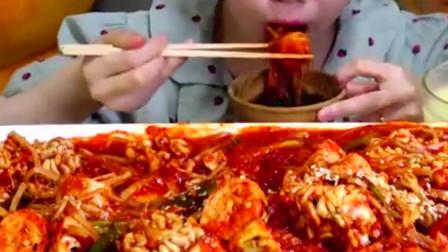 """大胃王吃""""变态辣""""美食,吃到一半被发现猫腻,网友-丢人现眼!"""