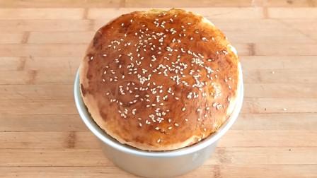 农村妈妈做懒人面包,蓬松喧软,奶香味十足,配方全告诉你