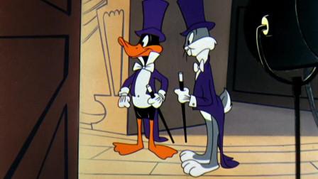 兔八哥:轮到达菲鸭和兔八哥上台表演了,这一致的步伐让强迫症看来很舒服