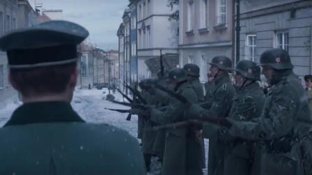 最新战争片,德国占领的波兰,纳粹军官抛硬币决定平民生死