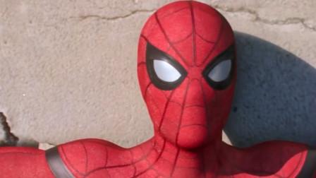 小伙用铝水制作蜘蛛侠logo,还原度百分百,简直太酷了