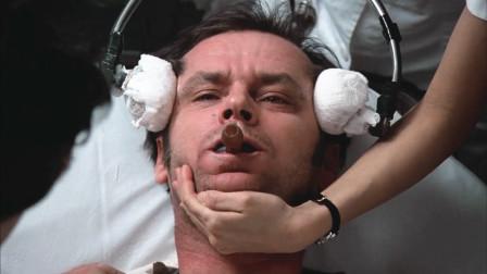 美国导演胆子忒大,在这部电影里,演员中还有真的精神病患者