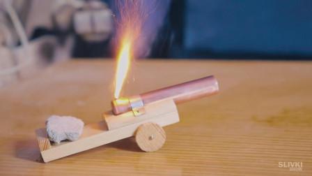 用木块和铜管还能制作这个,遇到火柴磷还是有大作用的呢,涨见识了