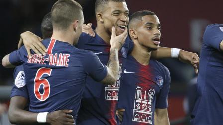 法甲-姆巴佩戴帽内马尔卡瓦尼复出 巴黎3-1摩纳哥