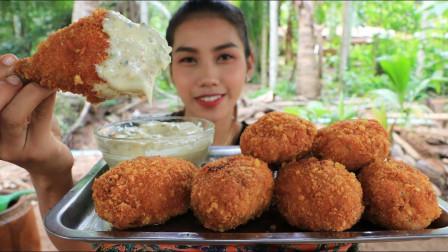 美女自制炸鸡腿,面包糠加芝士的组合让人胃口大增,网友:看饿了