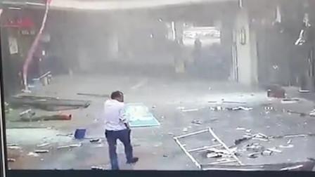 苏州商业街爆炸系煤气泄漏引发 致2人受伤