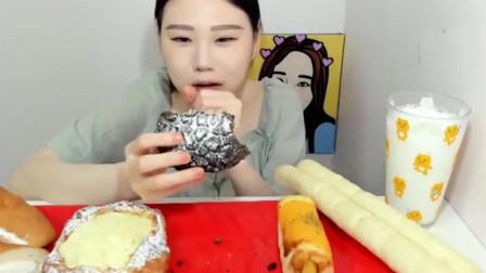 吃播大胃王:卡妹爱吃面包,这么甜都不怕腻,真是个吃货
