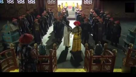 犯人给皇上下跪,谁料皇上看了一眼,立马阻止他下跪!