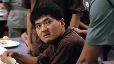 监狱风云:全监狱绝食,狱长陷害发哥告密,要出事!