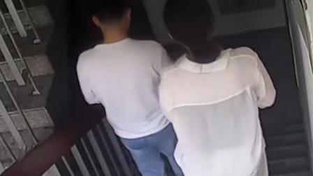 戏精!杭州一男子为求复合 携1女子盗走前女友1万
