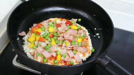 教你做培根米饭披萨,做法简单又入味,家里有孩子的一定要看看