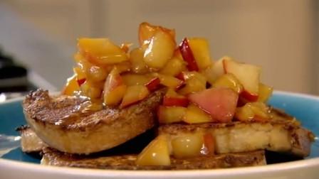 风味独特的水果早餐,肉桂面包搭配新鲜水果,让早晨变得神清气爽