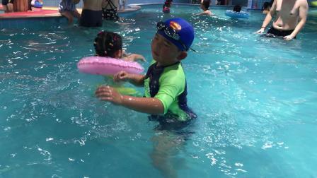 【7岁半】11-6哈哈在宝燕乐园水上乐园游泳池游泳IMG_9366