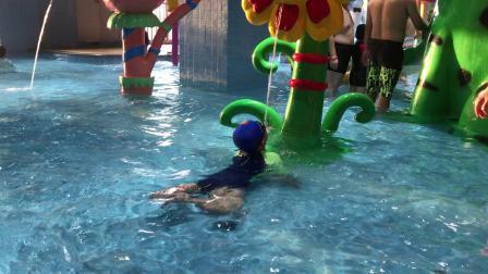 【7岁半】11-6哈哈在宝燕乐园水上乐园玩耍IMG_9367