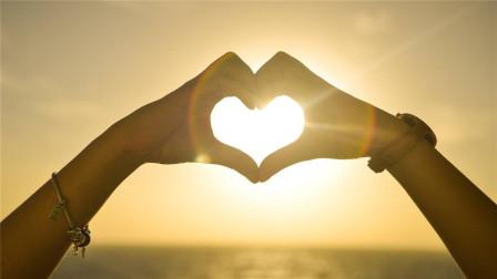 爱情语录:先说爱的先不爱,后动心的不心