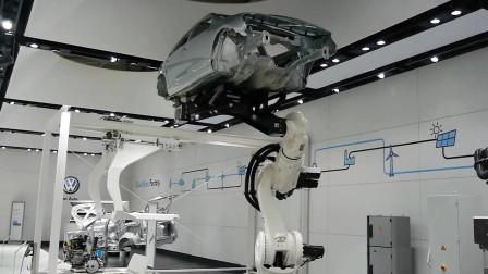 机器人中的最强麒麟臂,臂展6.5米,举起汽车像
