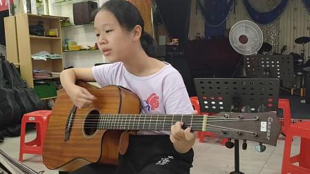 乔淇同学学习吉他视频《外婆的澎湖湾》