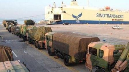 """中国陆军2万吨""""航母"""",不再藏着掖着,一次能运两个重装步兵营"""