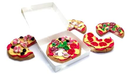 彩泥手工制作 制作披萨 还有披萨拼盘哦