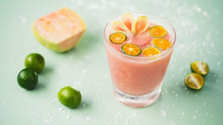 喝一杯甜中带咸的老盐番石榴汁,让你的每一个细胞都充满活力!