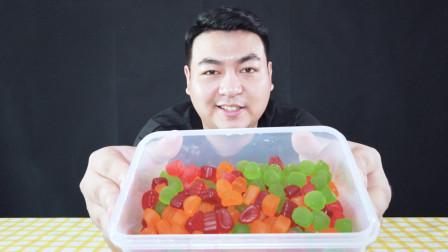 自己做的布丁含泪也要吃下去,网红QQ糖布丁,今天我来做一盒