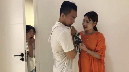 丈夫出差后,妻子一天换5次衣服,婆婆起疑跟踪,看到妻子的真面目